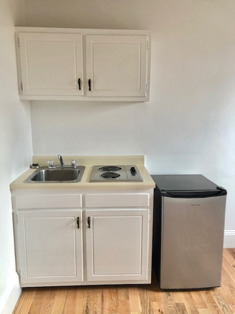 KITCHENETTE - 854 BEACON STREET, BOSTON - RENOVATED STUDIO NEAR KENMORE SQUARE AND BU AVAILABLE 9/1/2021 Apartments