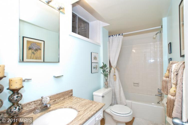 Bathroom - LARGE ROOM TO RENT IN NORTH ARLINGTON Rental