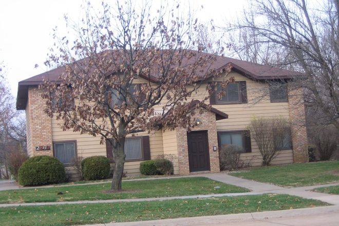 Front view of building - 2 BR Bettendorf Unit - Recently remodeled and in a great neighborhood Apartments
