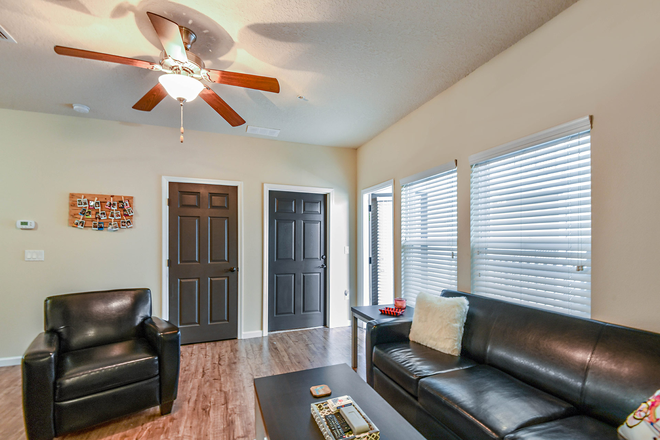 living room storage - LynCourt Square is the 2020 Student Property of the Year. Spacious, modern living for UF students! Apartments