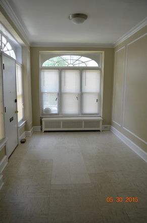 Sun room - Beautiful, spacious home on lovely street - must see! (walk to St. Joe's Univ.) Townhome