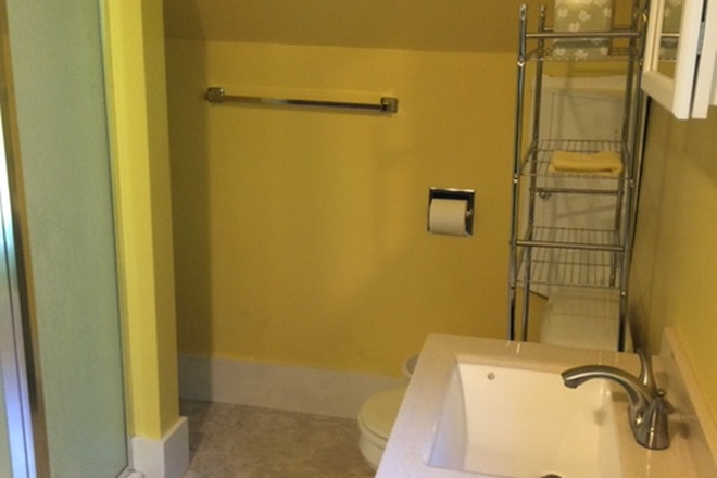 Bathroom adjacent to bedroom - Walking distance to VLS Rental