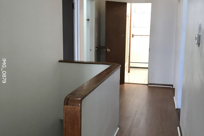 Hallway/Stairway - **Updated 2/3/2020**Available 9/1** Spacious 6 Bed / 2 Bath Apartment Close to BU Campus