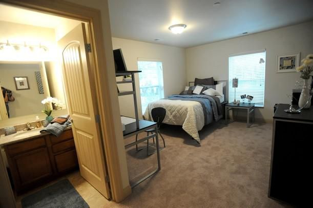 University Of Michigan Off Campus Housing Search City Place Ann Arbor The Arbor Townhome