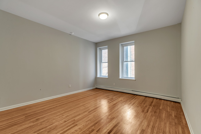 Spacious Living Roon - Cedar Park Place Apartments