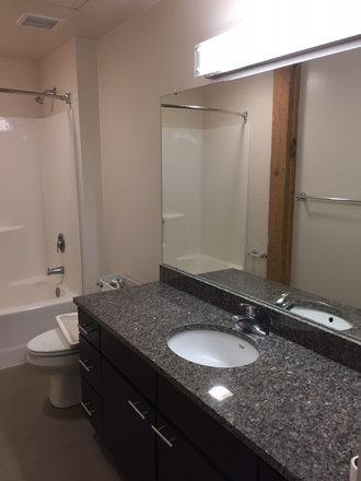 Sample bathroom - Crescent Lofts Kerker 302