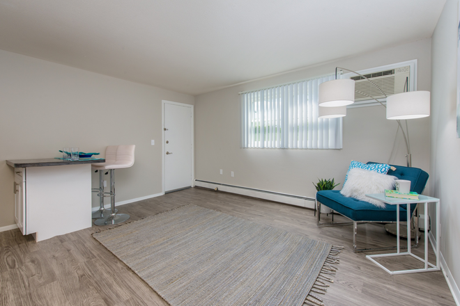Open Concept Living Space - Aspen Chase -  All-Inclusive Apartments Minutes From Campus! Join Our Waitlist for Summer/Fall 2021!