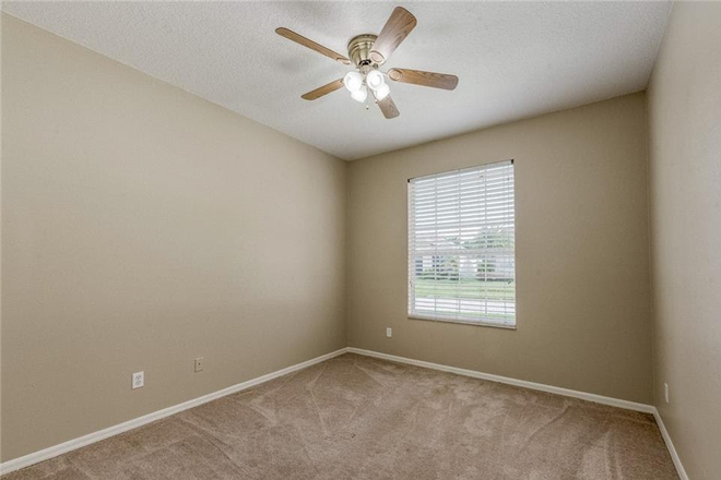 Example bedroom - Rosemead Cove, Bridgewater, close to Waterford Lakes, E. Colonial Drv, 10 minutes to UCF Main Campus Rental