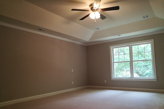 Bedroom - 854 W 47th St, Norfolk, VA 23508. New house, one master bedroom available, next to ODU. Rental