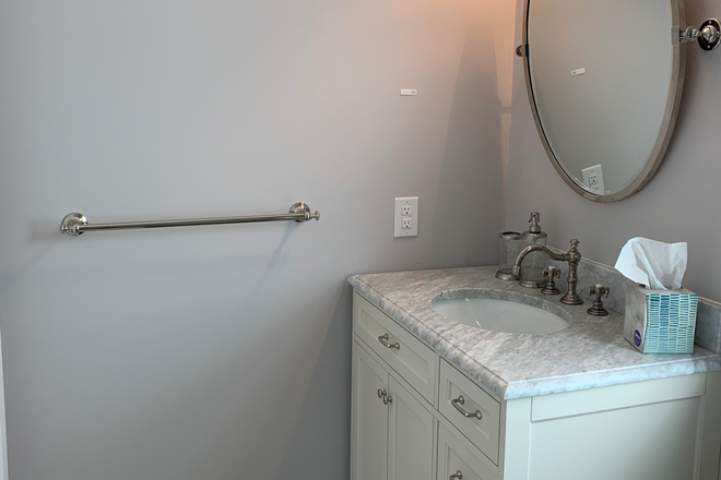 Bathroom Vanity - Mt. Pleasant Detached Entire Carriage House Rental