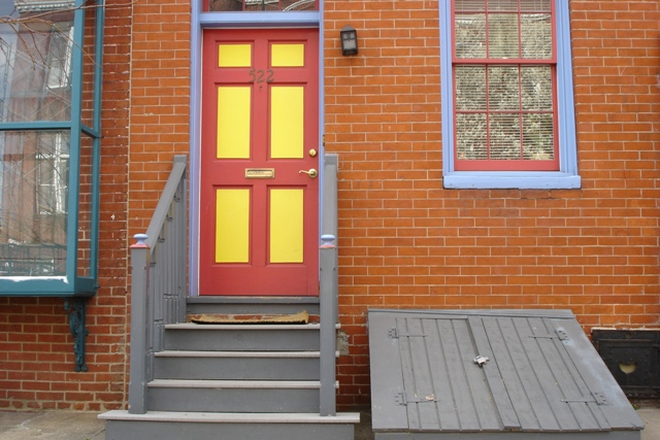 Outside Street View - Charming 2 possible 3 bed, 1 ½ bath Townhouse in Fells Point