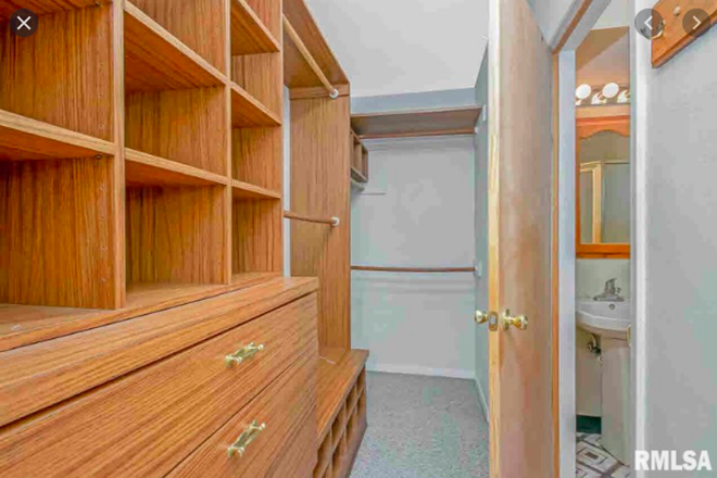 Closet in master - House Rental