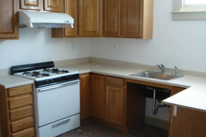 Shared Kitchen - 1: 7th Ave & Clement | Single Room Rental