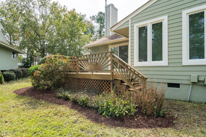 Deck and yard - Crooked Creek Townhome