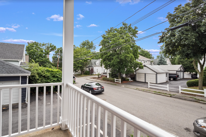 Balcony - Rent a Private Bedroom in a Beautiful 7 bed/3 bath Apartment in Waltham!