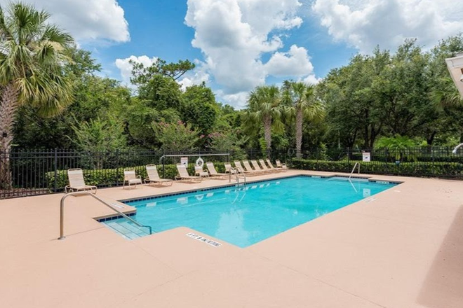 Community Pool No1 - Rosemead Cove, Bridgewater, close to Waterford Lakes, E. Colonial Drv, 10 minutes to UCF Main Campus Rental