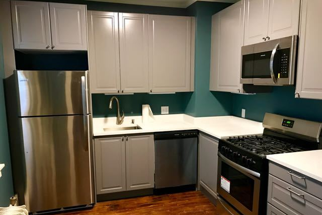 Updated Kitchen - Fully renovated 4BD 2BA house in historic part of Saint Paul Rental