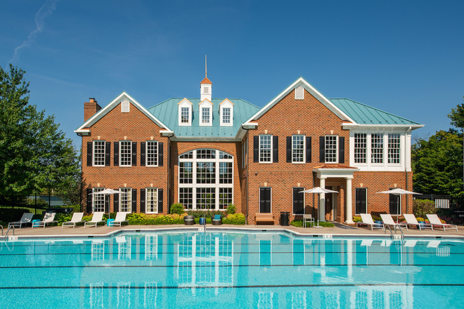 Fairfax Square Swimming Pool