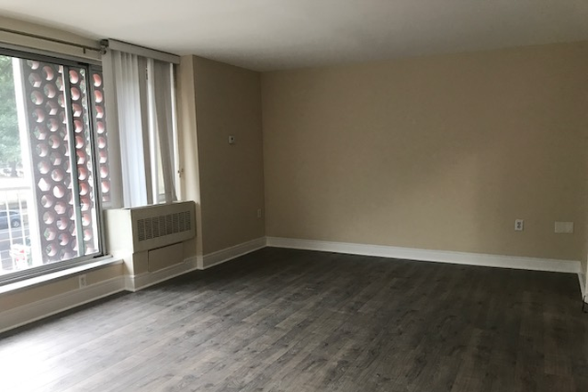 Open Floor Area - Southwest Waterfront Condo - Utilities Inc - Can Deliver Furnished