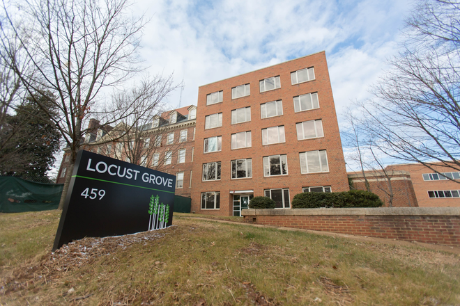 Locust Grove Apartments - Locust Grove Apartments - Premium Downtown Location with Parking