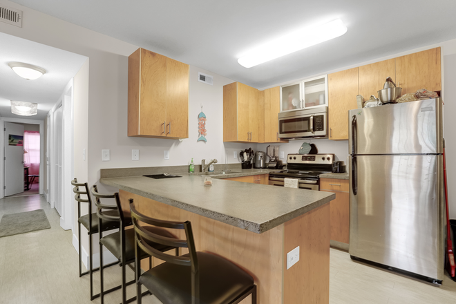 Cordova Kitchen - Elevation Student Living (Enclave location) Apartments