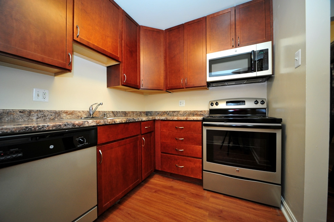 Kitchen - Washington Apartments - 2 Bedroom Apartments Available Now!