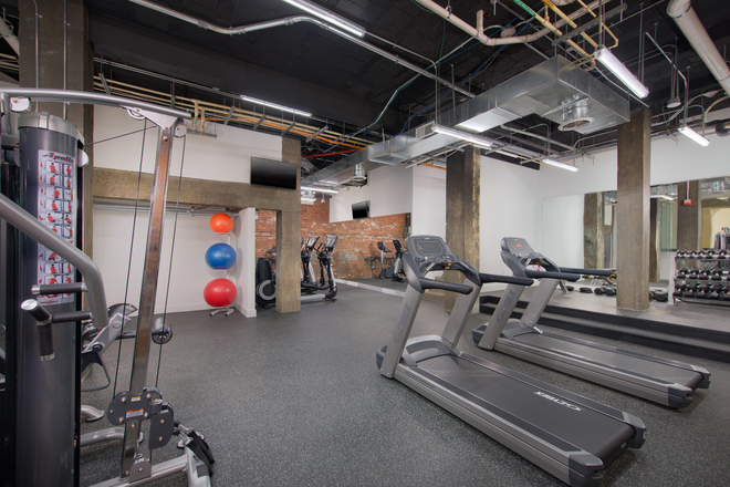 "Community - Fitness ""Pump Room"""