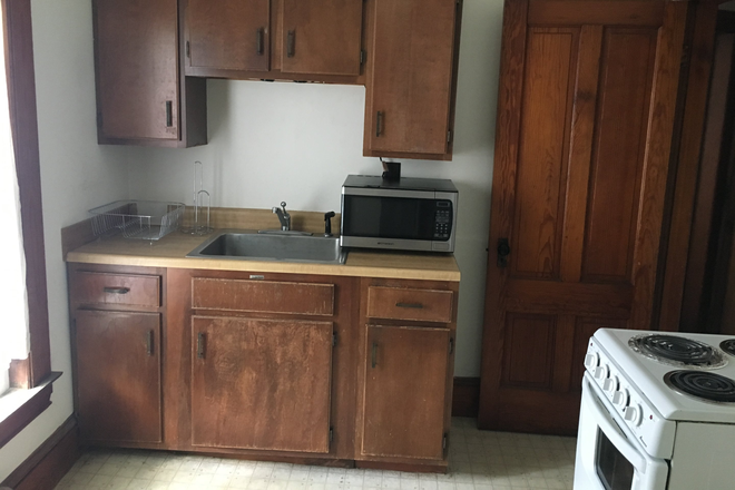 Kitchen - 82 North Windsor, 1 BR apartment on same block as VLS next to Library