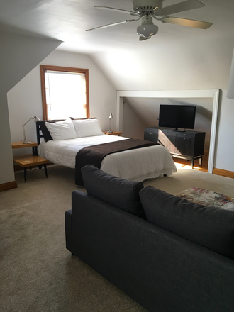 Bedroom/ LR combo - Clean, quiet, furnished studio close to campus. Rental