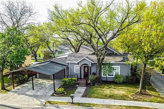 Main House - Vogel House - Remodeled/updated House w/Separate Studio - walking distance to TWU & near UNT Rental