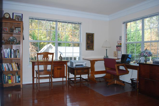 office  - Spacious 2 BR Apt with Office & Pool