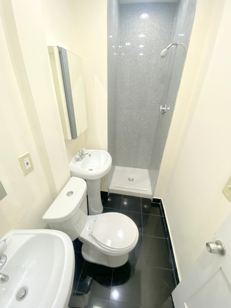 Bathroom - shower 1 - 4 Bedrooms + renovation!! Apartments