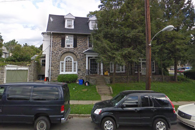 House Front - St Joe's!!!  6 Bedroom/3 Bath house available for rent - 1 BLOCK FROM CAMPUS!!! Rental