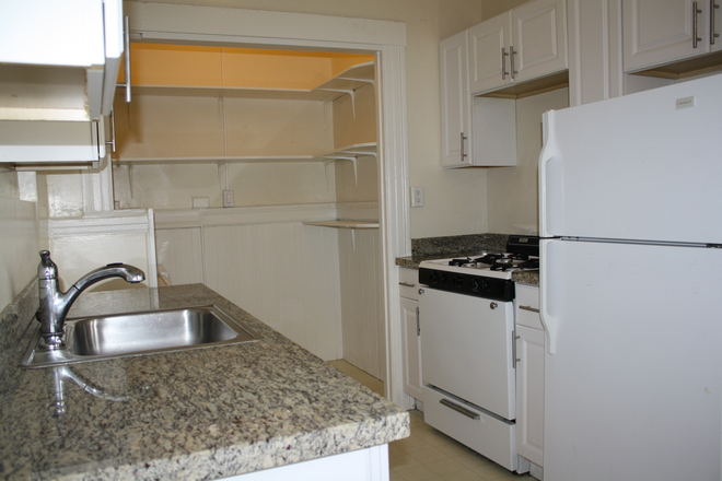 Kitchen - Gorgeously Remodeled 2BR Apartment on Hayes near USF!