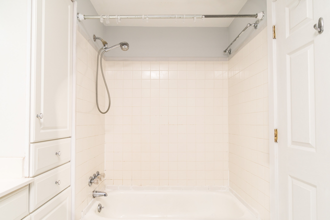 Bathroom - Beautiful 3 Bedroom, 1.5 Bathroom in Butchers Hill Townhome