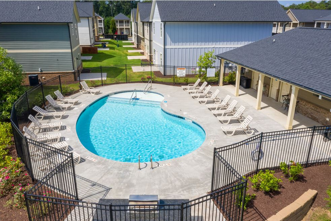 Community Pool with Large Sun Deck - The Haven at Kennesaw Rental