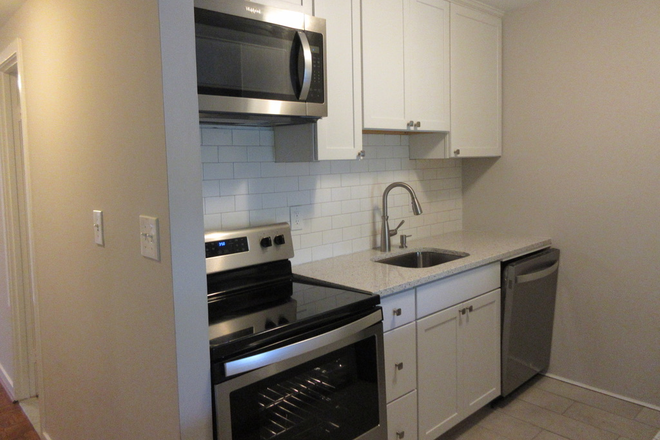 Kitchen - Top Floor 2 BR 2 Bath Condo Available Aug 1st