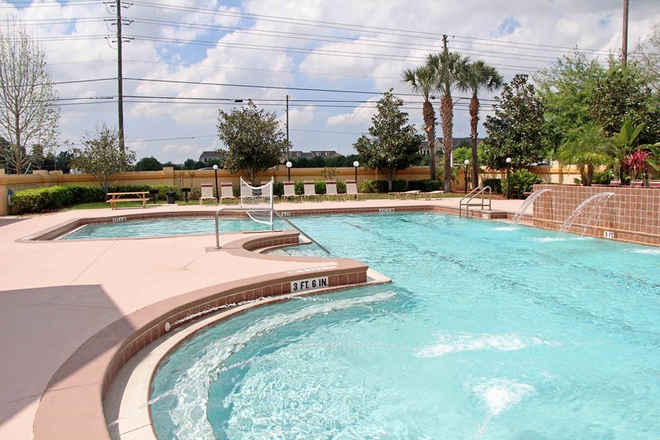 Resort Style Pool & Spa - Riverwind at Alafaya Trail Apartments