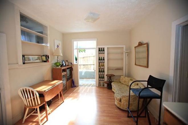 living room - furnished 3BR/2BA Cul-de-Sac, safe/quiet, tuckaway,  walk to park/play sports, walk to USF Apartments
