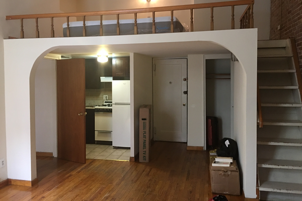 Entrance, kitchen and main lofted space