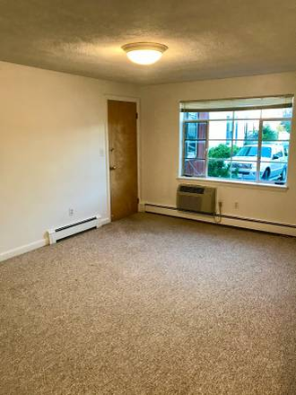 Bedroom - 2 bed 1 bath with Heat + Hot Water Included Apartments