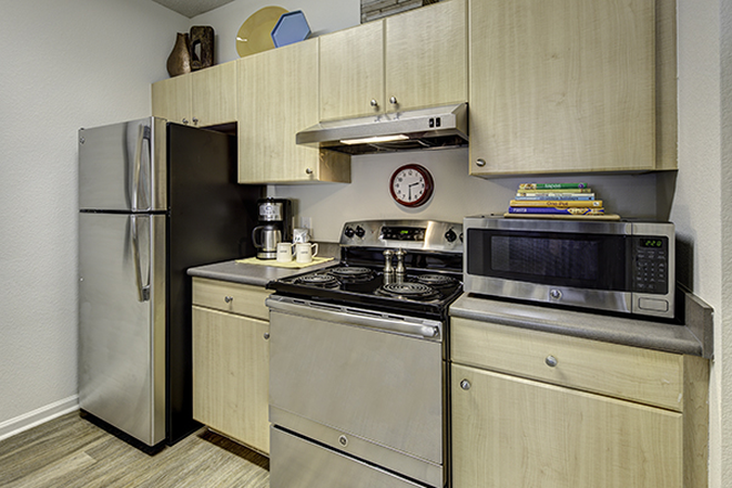 Kitchen - Aggie Station Apartments