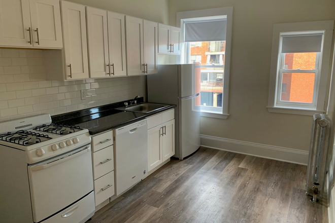 kitchen - No Broker Fee! 3 Bed/1 bath available now! updated 2/3 Apartments