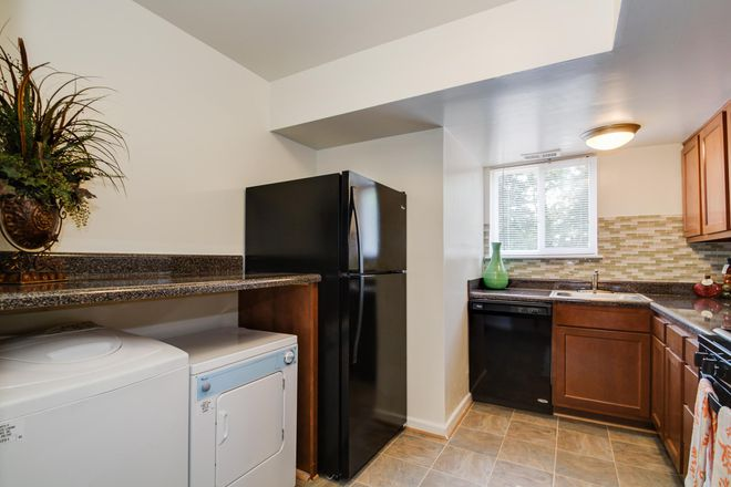 2 bedroom kitchen- w/d available