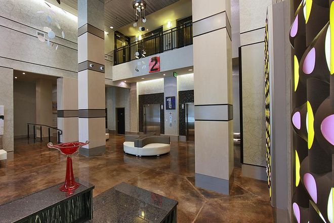 Front Lobby Entrance - HH Midtown - Luxury Student Apartments Steps Away from UB and JHU!
