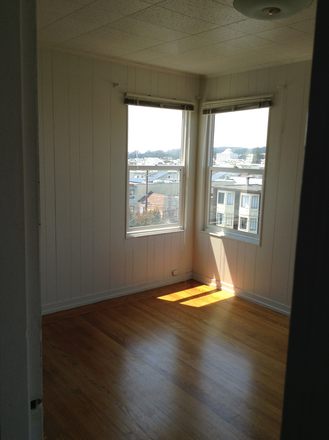 bedroom - Large Private Bedroom Next to USF Campus in Bright & Spacious House Rental