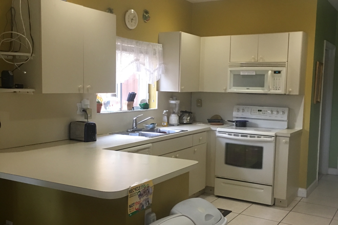 Kitchen - PEACEFUL AND CLEAN ENVIRONMENT, $700 AND $200 SECURITY DEPOSIT Rental
