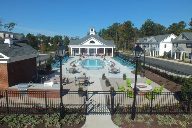 Resort Syle Pool-Open Year Round