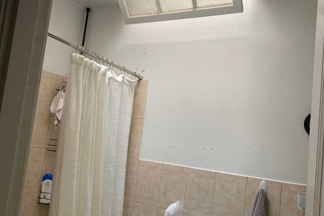 2nd floor bathroom - 3719 Reservoir Road, NW, 4 story townhouse, on bus route, 5BR, 3BA
