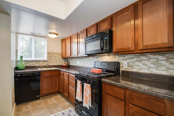 2 bedroom upgraded kitchen